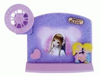 38180 Рамка для фотографий с фигурками ( для девочек с музыкой и движением ) 9х13