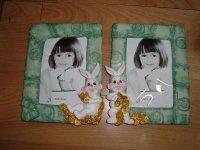570 Рамка для фотографий из керамики (зайцы с монетами)