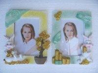568 Рамка для фотографий из керамики (зайцы с монетами)